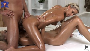 mr1102_lola_and_uma_on_tommy_player