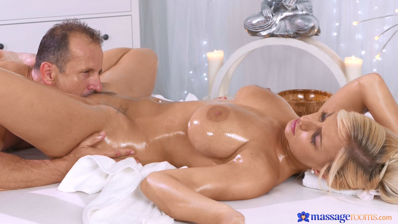 Orgasmic Massage for Big Tits MILF - Massage Rooms